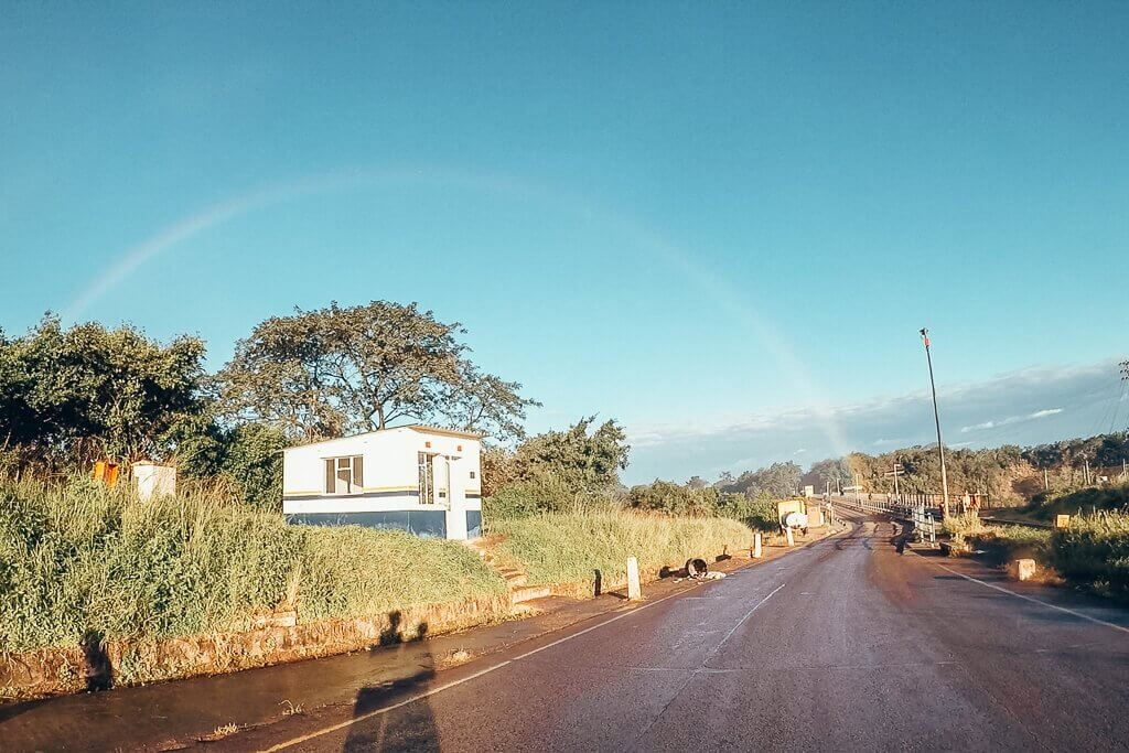 Distance from Livingstone Airport to Victoria Falls