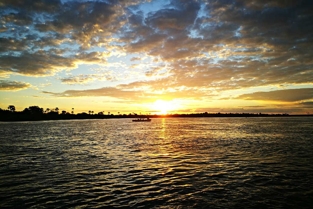 Zambezi_River_sunset_cruise