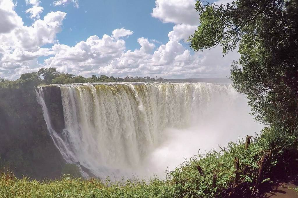 Victoria Falls crossing from Zambia to Zimbabwe