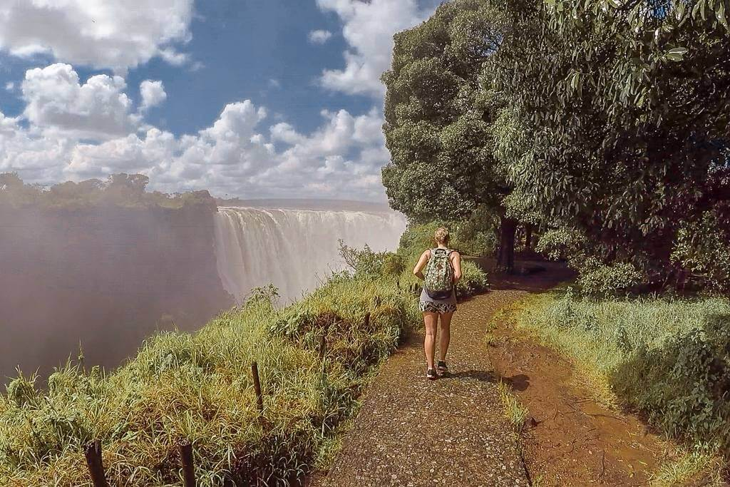 How long to stay in Victoria Falls, Zambia or Zimbabwe
