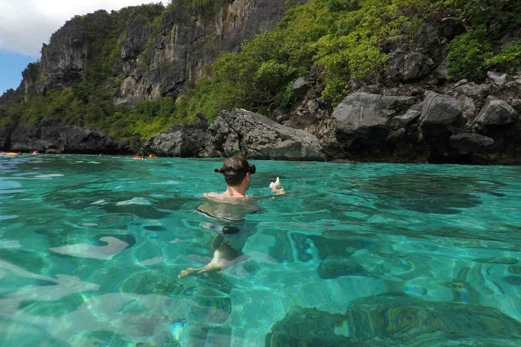 The crystal clear waters of Shimizu Island - El Nido tour A