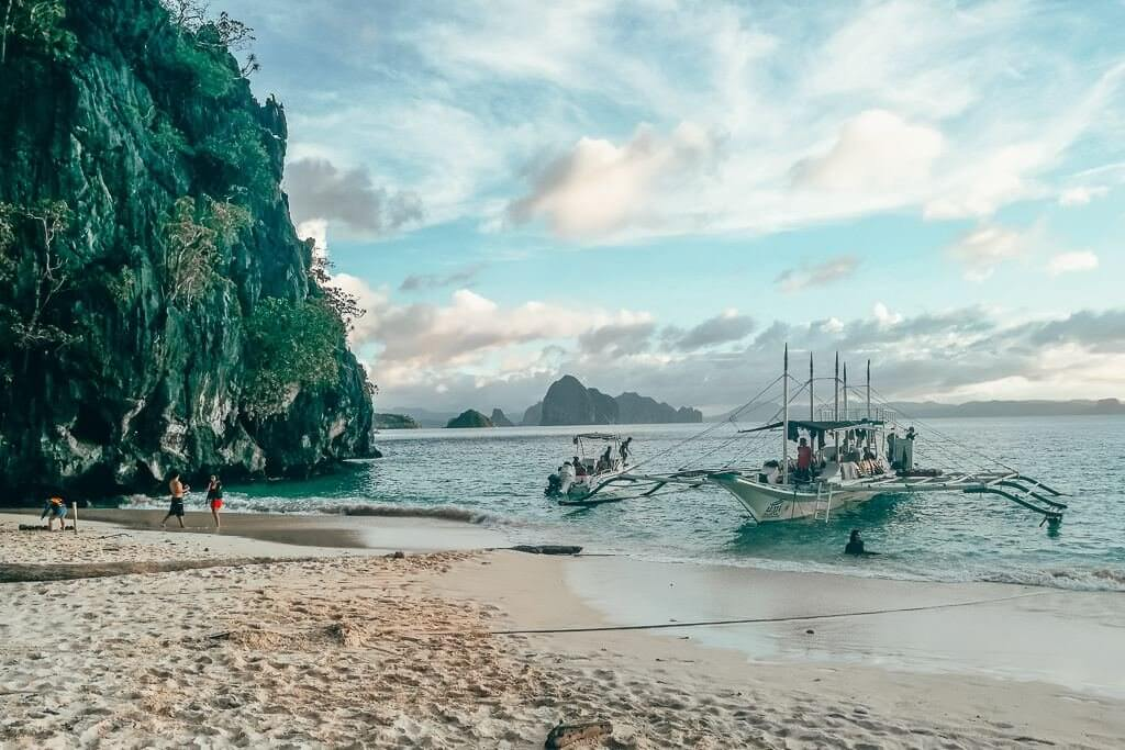 Seven Commandos Beach in El Nido, Palawan