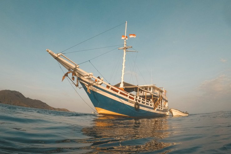 Dive Komodo's Tatawa liveaboard
