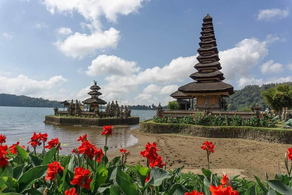 Entrance fee to Ulun Danu Temple