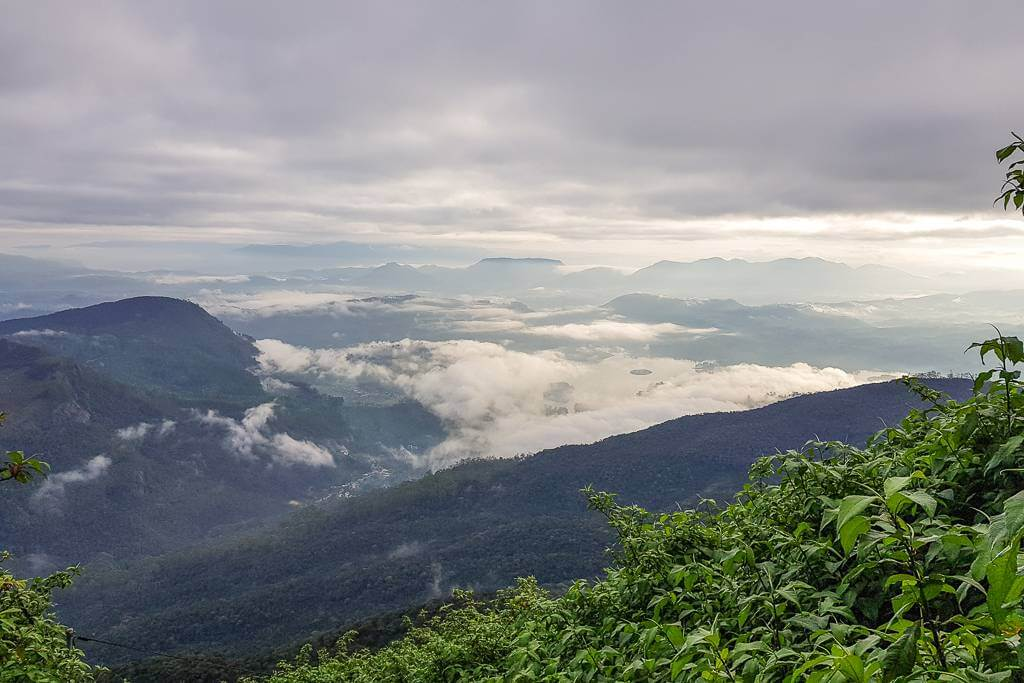 Hiking Adam's Peak off season
