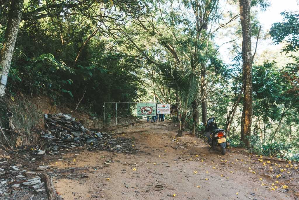 Both routes to Little Adam's Peak begin here