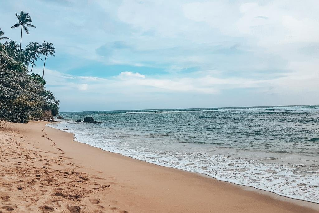 The best beaches near Midigama