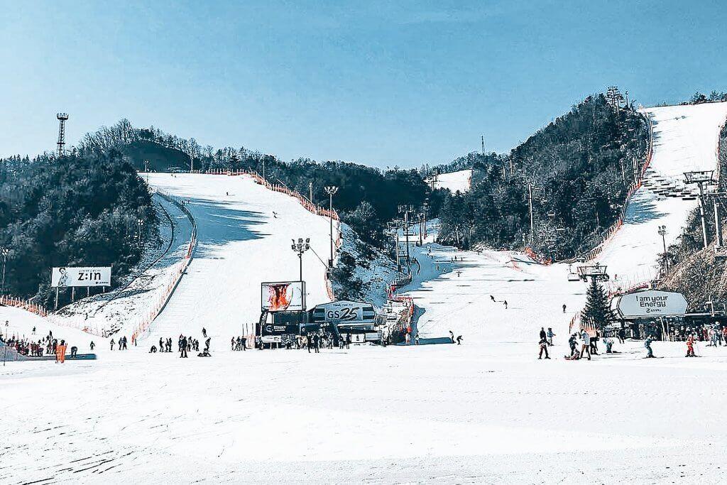 Elysian is one of the cloest ski resorts to Seoul.
