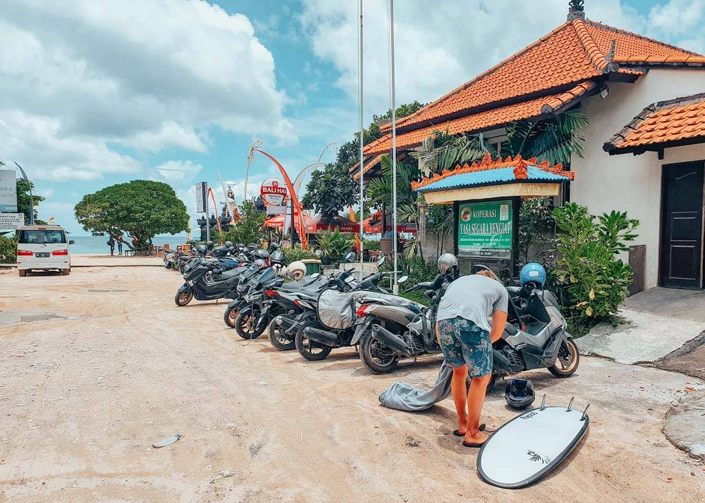 Scooter rentals in Uluwatu