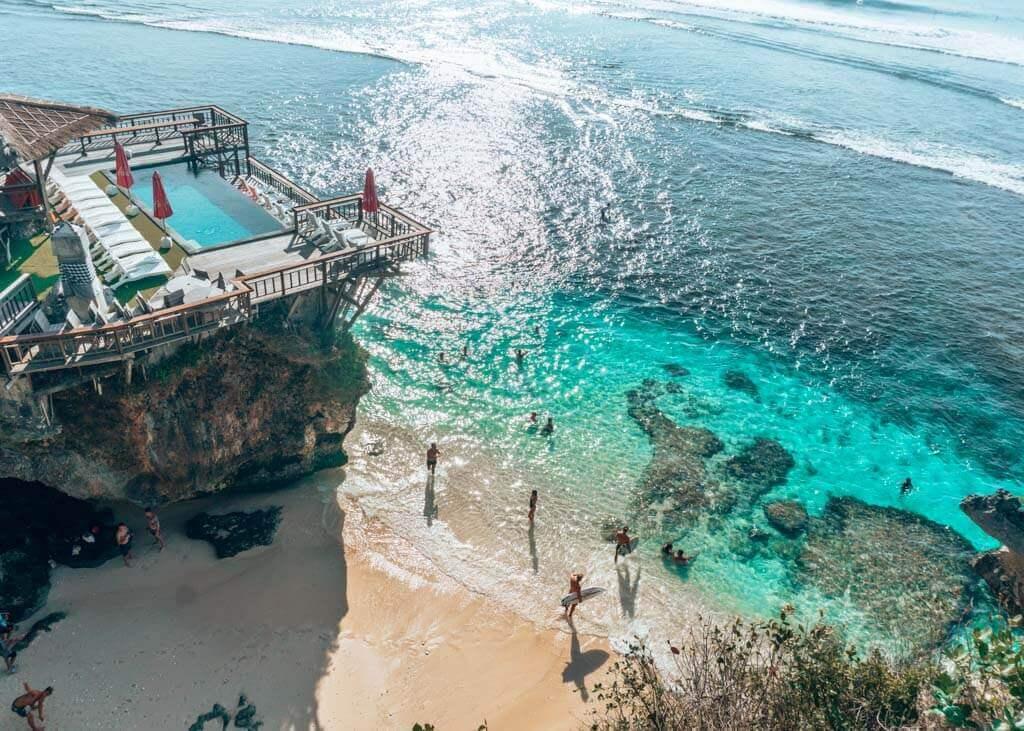 places to stay near Uluwatu Beach